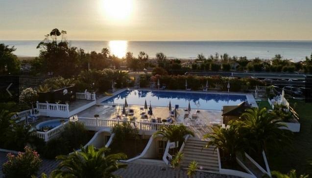 piscina alba